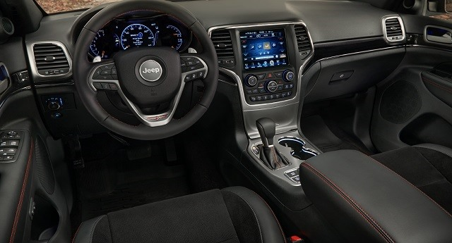 2017 Jeep Grand Cherokee - interior