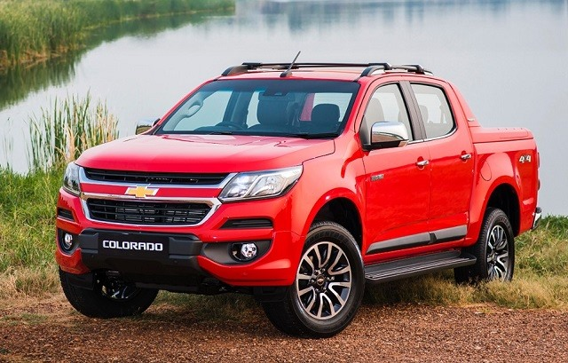 2017 Chevrolet Colorado - front