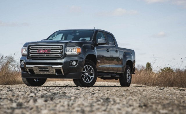 2017 GMC Canyon front