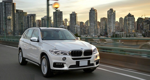 2018 BMW X7 - front