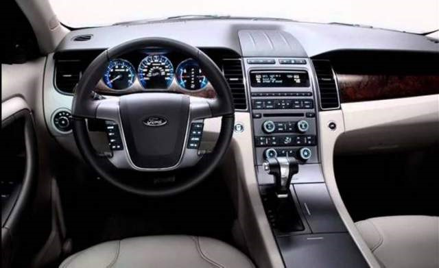 2017 Ford Taurus - interior