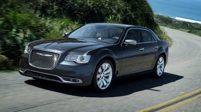 2018 Chrysler 300 - front