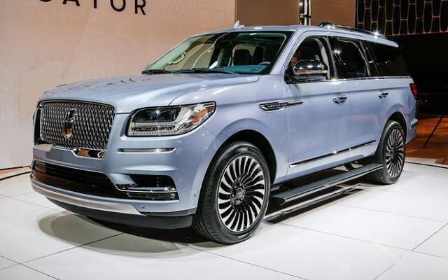 2019 Lincoln Navigator - front