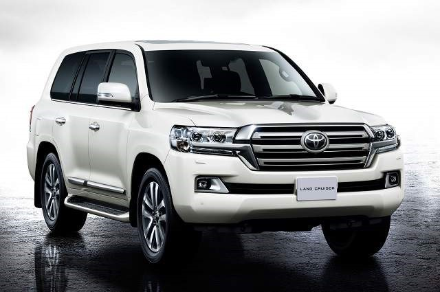 2019 Toyota Land Cruiser - front